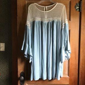 Umgee flowy tunic with tulip bell sleeves